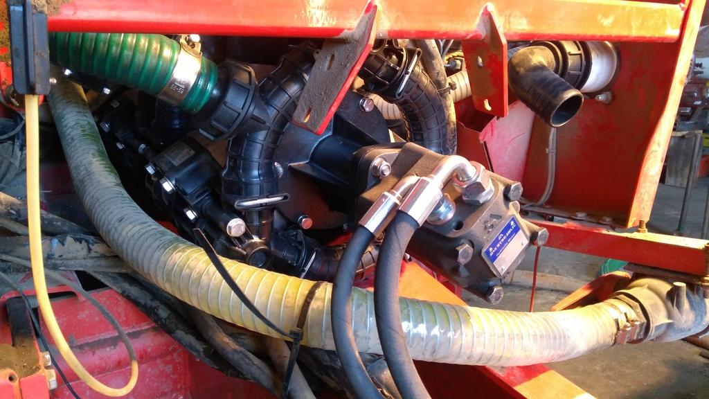 Modernizacja pomp nie narusza konstrukcji układu cieczowego opryskiwacza Kverneland iXtrack.
