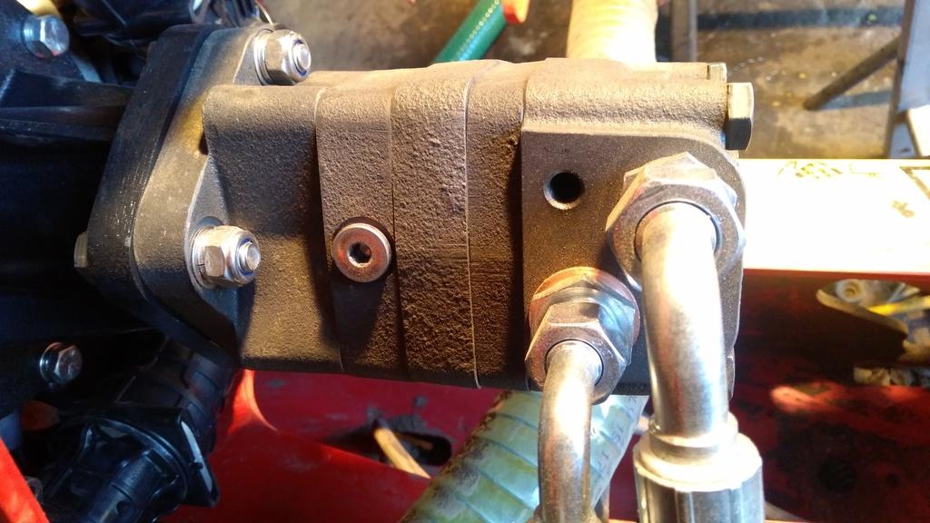 Silnik hydrauliczny stanowiący napęd zespołu pomp