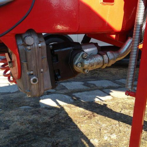 Stacja zasilania hydrauliki ciągnika