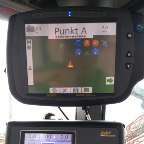 Opryskiwacz obsługuje komputer TeeJetRadion 8140 i nawigator GPS Matrix PRO 840 GS
